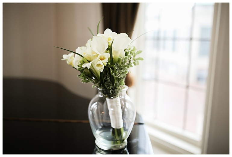 indianapolis-columbia-club-flowers-wedding-photography
