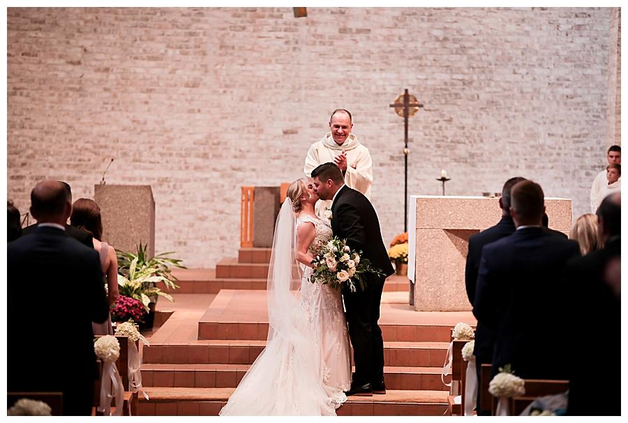 Indianapolis-Indiana-Wedding-Photography-Meghan-Harrison_0382.jpg