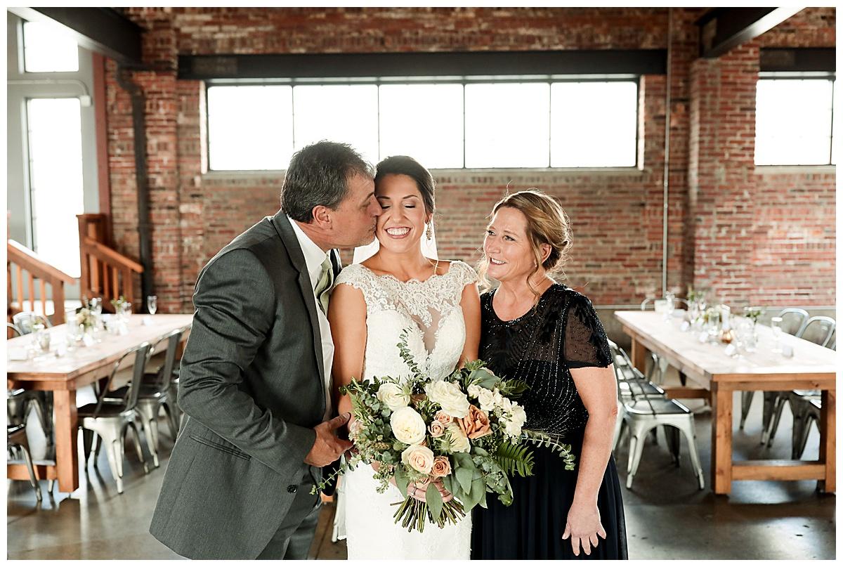 INDUSTRY_Indianapolis_Meghan Harrison Wedding Photography_0022.jpg
